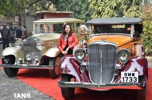 Vintage Car Rally Mulund Festival Ajay Devgan Flag Off