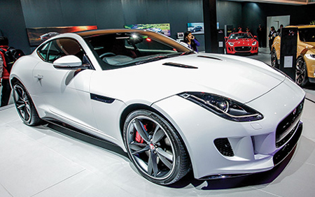 Merveilleux The Performance Oriented Sports Car Is Powered With Jaguaru0027s 5.0 Litre  Supercharged V8 Engine Producing Max Power Of 542.8bhp Of Massive Power.